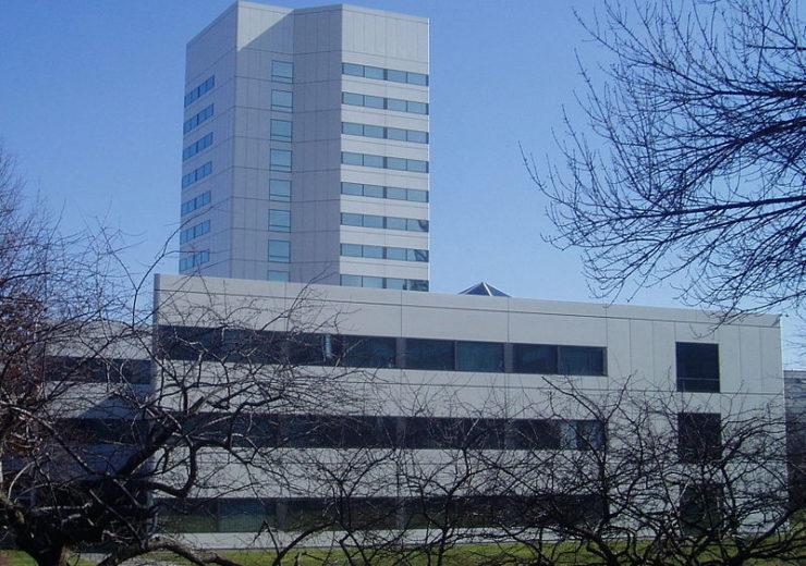800px-JohnsonJohnson_HQ_building