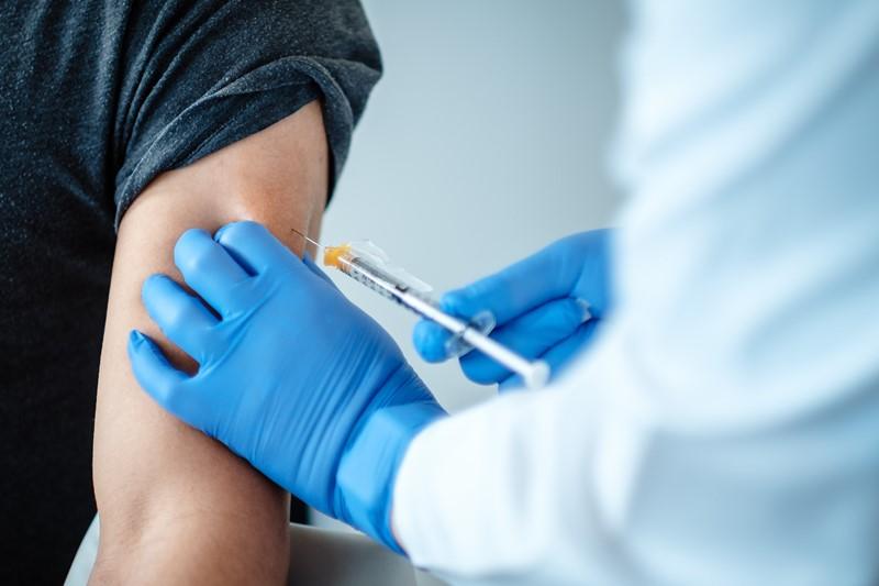 Pfizer and BioNTech Covid-19 vaccine patient dosing. (Credit: BioNTech SE.)