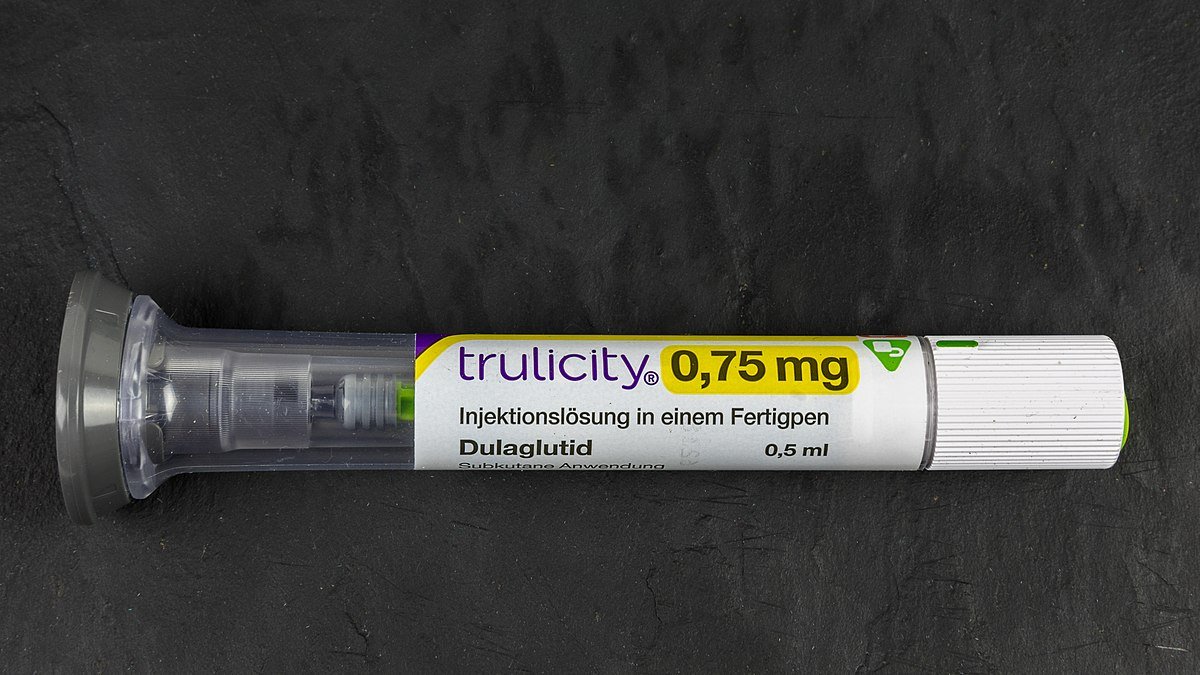 Autoinjector with Trulicity by Lilly. (Credit: Raimond Spekking/ Wikimedia Commons.)
